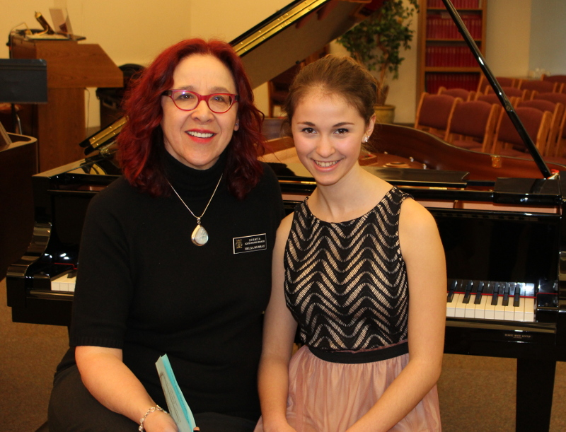 Helga Murray with Emily McTavish who won gold standing and a scholarship at the 2015 BCMRTA Festival.